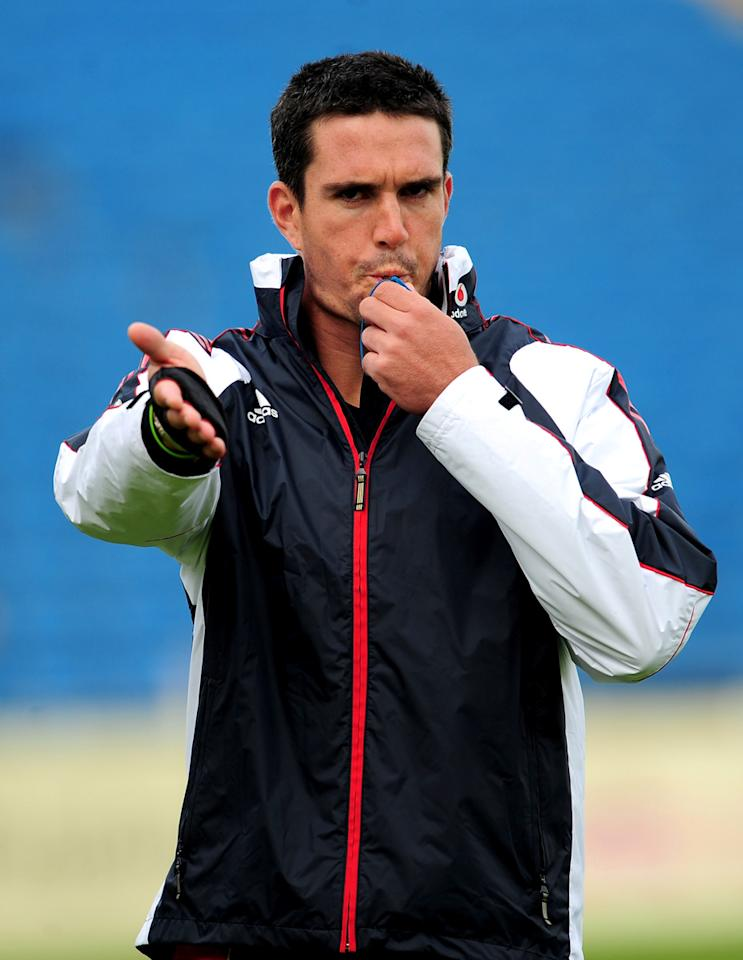 Kevin Pietersen of England referees the warm-up football match during England Net Practice at Headingley on May 20, 2009 in Leeds, England.  (Photo by Shaun Botterill/Getty Images) *** Local Caption *** Kevin Pietersen