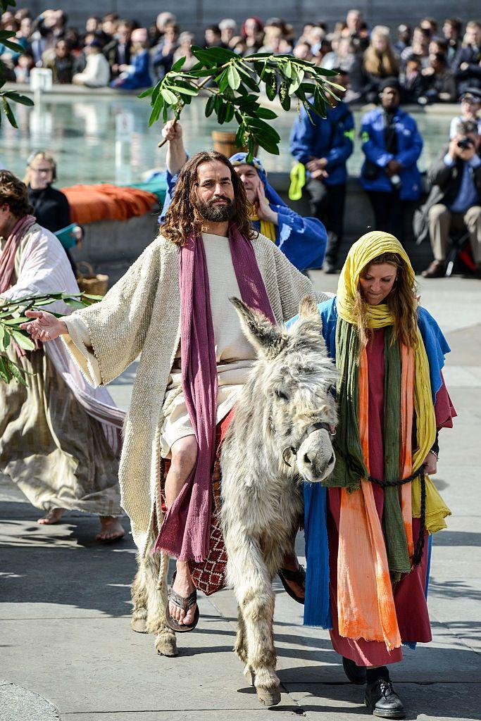 """<p>Every year, the open-air play """"<a href=""""https://actdrop.uk/events/event-listing?id=685"""" rel=""""nofollow noopener"""" target=""""_blank"""" data-ylk=""""slk:The Passion of Jesus"""" class=""""link rapid-noclick-resp"""">The Passion of Jesus</a>"""" is put on in London's Trafalgar Square, which you can watch via a live stream on Facebook. </p>"""