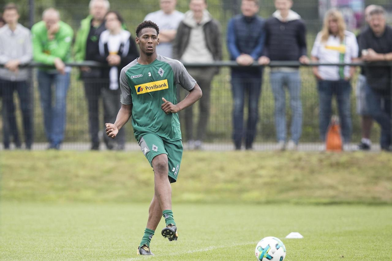 West Ham youngster Reece Oxford eager to learn after joining up with Borussia Monchengladbach
