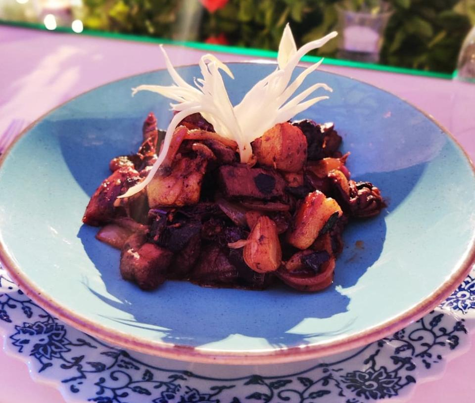 Also known as Pork Amsol or Pork Binda Sol, the important ingredient here is Kokum or Sola which is rich in anti-oxidants