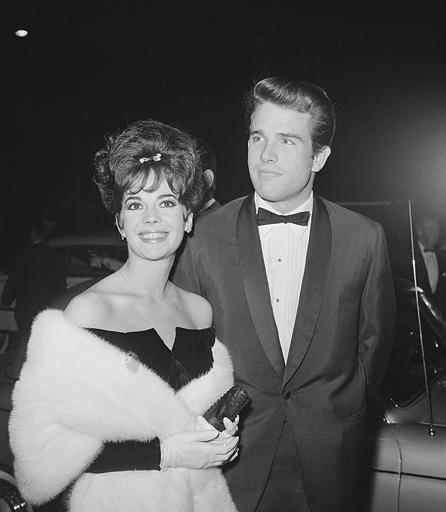"""Natalie Wood and Warren Beatty arrive at the 1961 premier for """"The Children's Hour""""."""