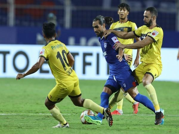 Bengaluru FC and Hyderabad FC in action in ISL (Photo/ ISL)
