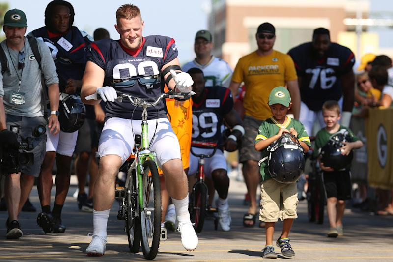 JJ Watt Accidentally Breaks Boy's Bike While Riding It to Practice in Green Bay Tradition