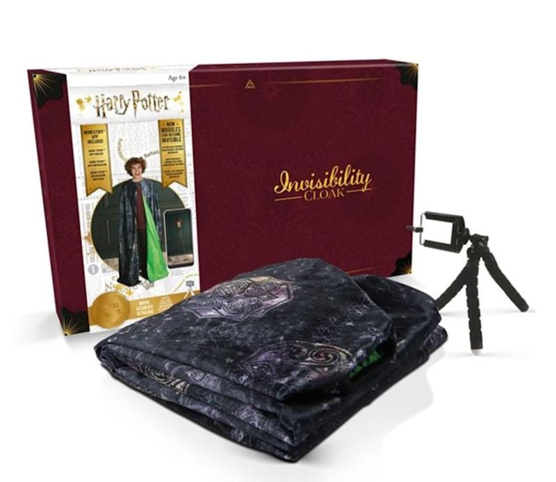 "Now you can own your very own all-new Wizarding World-inspired garment.&nbsp;<strong>Ages:</strong> 6+&nbsp;<strong>Get it at:</strong> <a href=""https://www.chapters.indigo.ca/en-ca/toys/wow-stuff-harry-potter-invisibility/5055394013216-item.html?ikwid=Wow!+Stuff+Deluxe+Harry+Potter+Invisibility+Cloak&amp;ikwsec=Home&amp;ikwidx=0"" target=""_blank"" rel=""noopener noreferrer"">Indigo</a>, $99.95"
