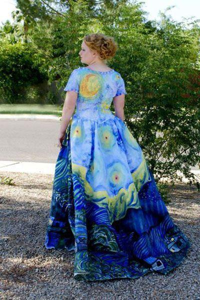 """<p>Last year, killer artist Julia <span>turned a simple $40 dress</span> into a mesmerizing recreation of Van Gogh's famous """"Starry Night"""" painting.</p>"""