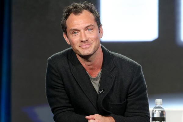 Jude Law Is Going To Play Young Dumbledore Which Means
