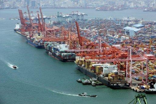 S.Korea's trade surplus shrinks in 2012