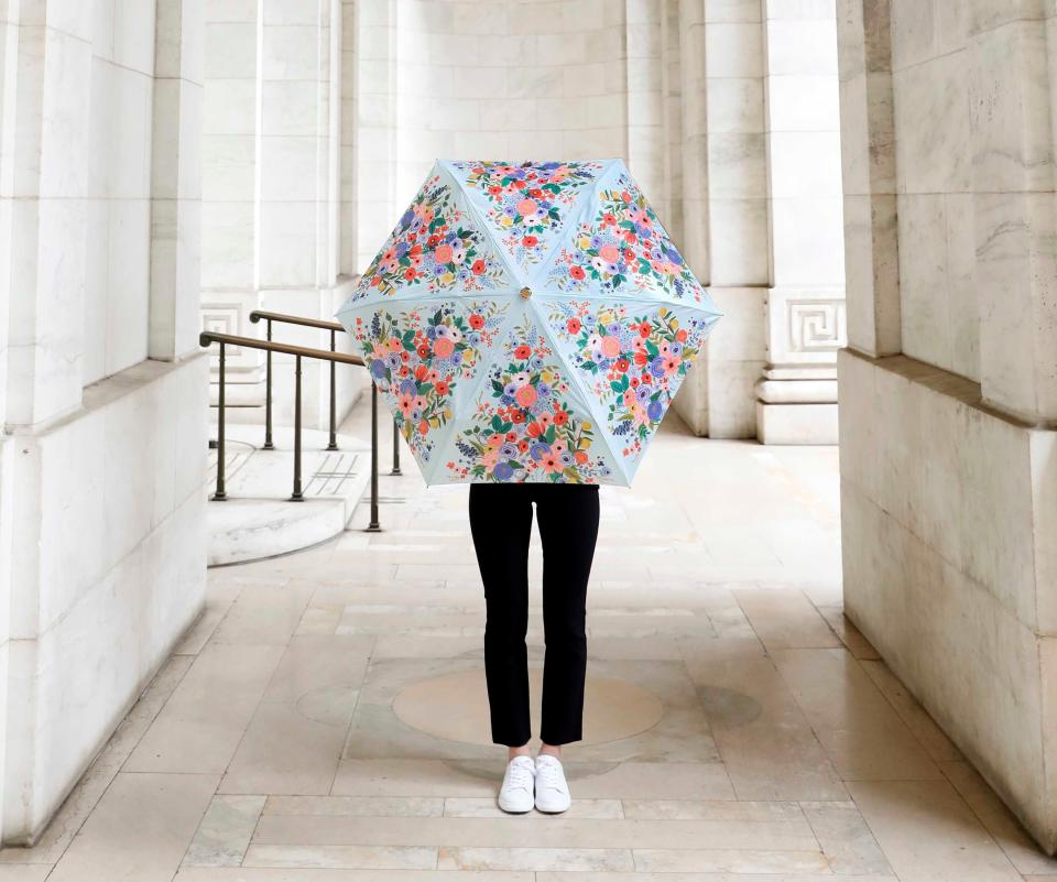 Marguerite Umbrella. Image via Rifle Paper Co.