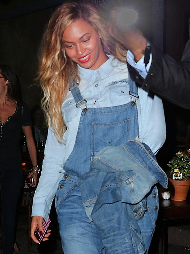Beyonce in dungarees