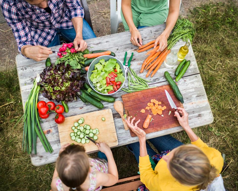 <p>Keep the produce coming—the more the merrier! Filling your burger with your favourite veggies will give you the juice and flavour you want without having to use as many condiments. <i>(Photo Credit: Getty Images)</i></p>