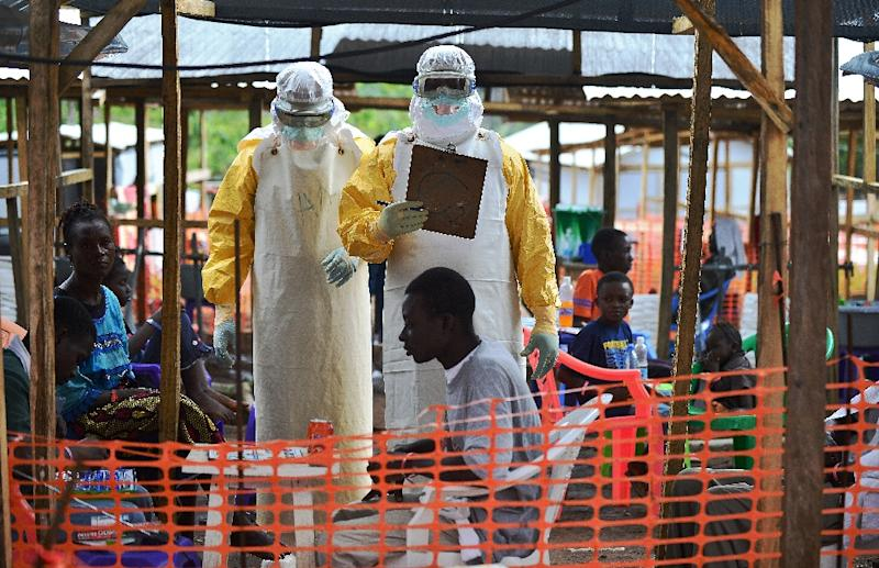 MSF medical workers at a facility for Ebola patients in Sierra Leone (AFP Photo/CARL DE SOUZA)