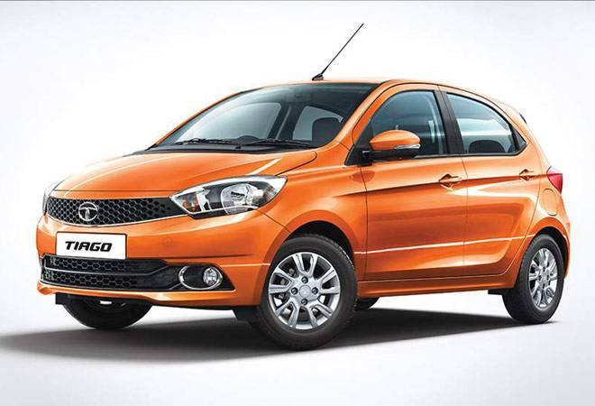 The Tata Tiago XTA with AMT will cost Rs 46,500 less than the top-of-the-line XZA trim,  but will also loses out on some features to afford the price cut.<br />