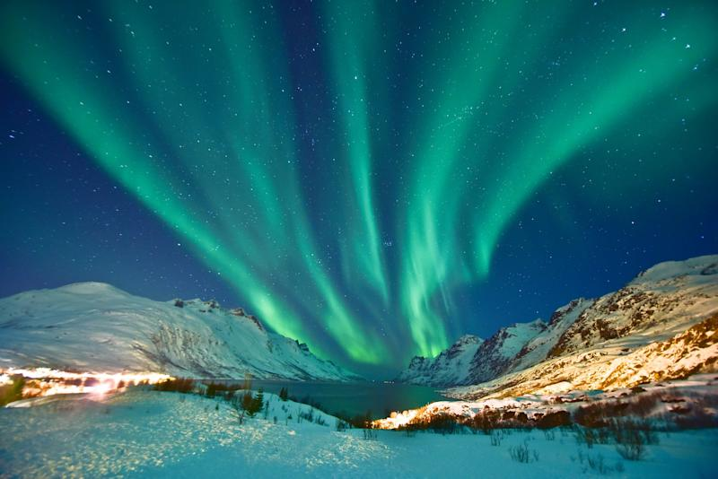 Have you had an unforgettable winter holiday in the snow or under the Northern Lights? Share your story - MuYeeTing