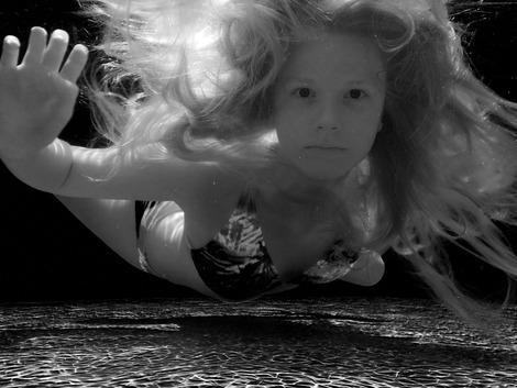 Makayla Hayes, 14, won the international grand prize in the 2011 National Geographic Kids photo contest for this cool under-water shot.