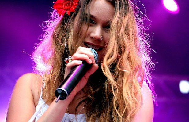 Joss Stone Says Iran Detained and Deported Her While on Tour