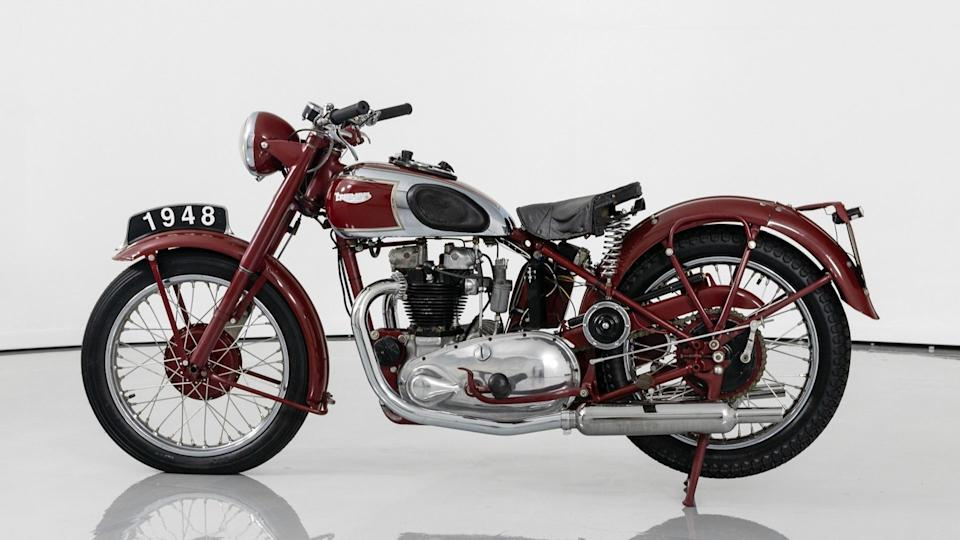 Motorcycle Monday: 1948 Triumph 5T Speed Twin