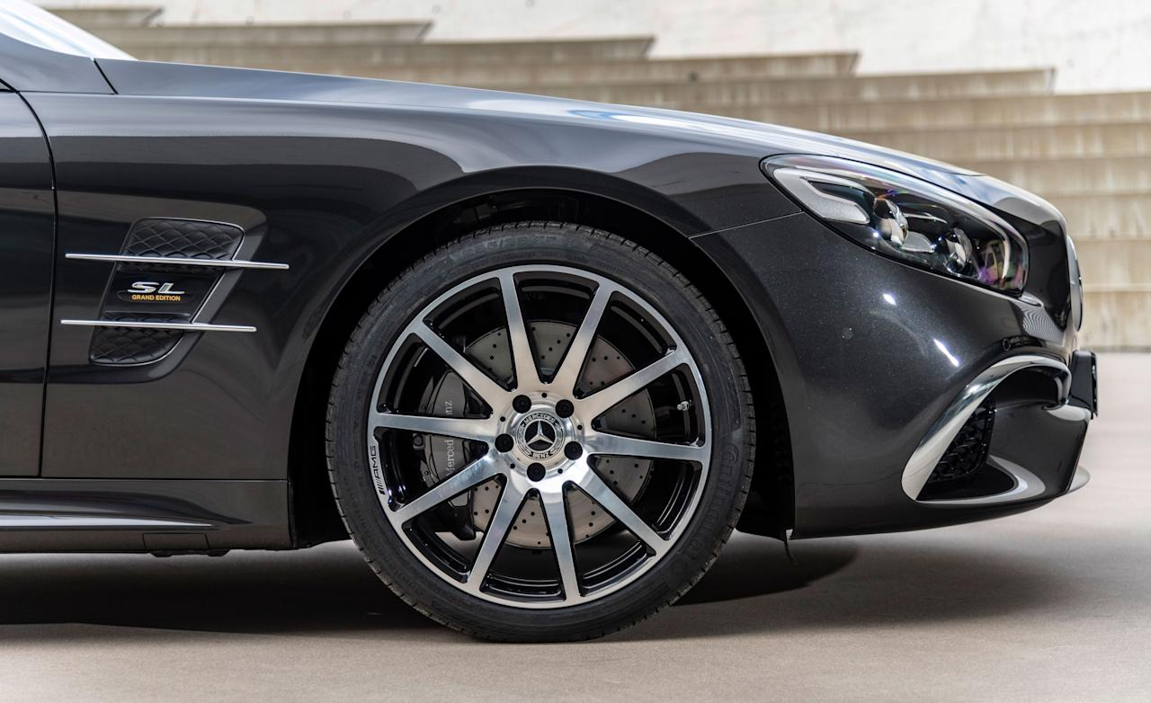 "<p>As the sixth generation of the classic <a rel=""nofollow"" href=""https://www.caranddriver.com/mercedes-benz/sl-class"">Mercedes-Benz SL</a> comes to an end, the automaker is rolling out a special black-and-brown-themed Grand Edition.</p>"