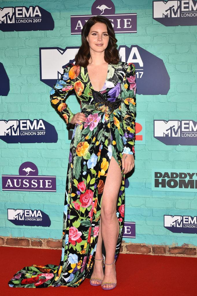 <p>Lana Del Ray graced the red carpet with her presence wearing Gucci florals. (Photo: Getty Images) </p>