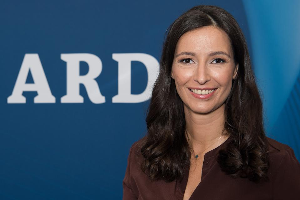 BERLIN, GERMANY - SEPTEMBER 02:  Pinar Atalay visits the ARD stand at 2016 IFA tech fair on September 2, 2016 in Berlin, Germany.  (Photo by Matthias Nareyek/Getty Images)