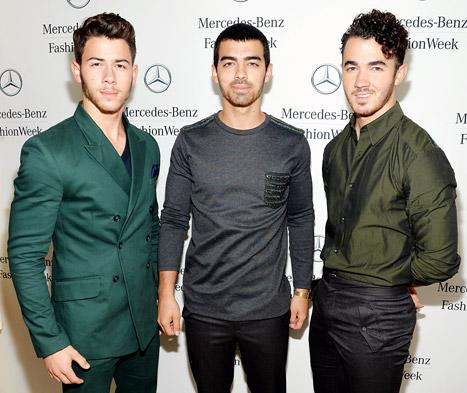 Jonas Brothers Delete Band's Twitter Account After Canceling Tour