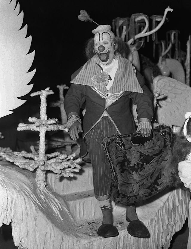 <p>You would never guess it, but this happy go lucky clown is none other than der bingle, Bing Crosby performing in a benefit performance of the Ringling Brothers and Barnum and Bailey circus on Sept. 7,1948 in Hollywood, Calif. The benefit was held to raise an estimated $250,000 for St. John's Hospital. (AP Photo) </p>