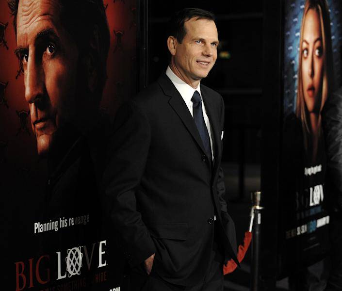 """FILE - In this Wednesday, Jan. 14, 2009, file photo, Bill Paxton, a cast member in the HBO series """"Big Love,"""" poses at the show's third season premiere in Los Angeles. A family representative said prolific and charismatic actor Paxton, who played an astronaut in """"Apollo 13"""" and a treasure hunter in """"Titanic,"""" died from complications due to surgery. The family representative issued a statement Sunday, Feb. 26, 2017, on the death. (AP Photo/Chris Pizzello, File)"""