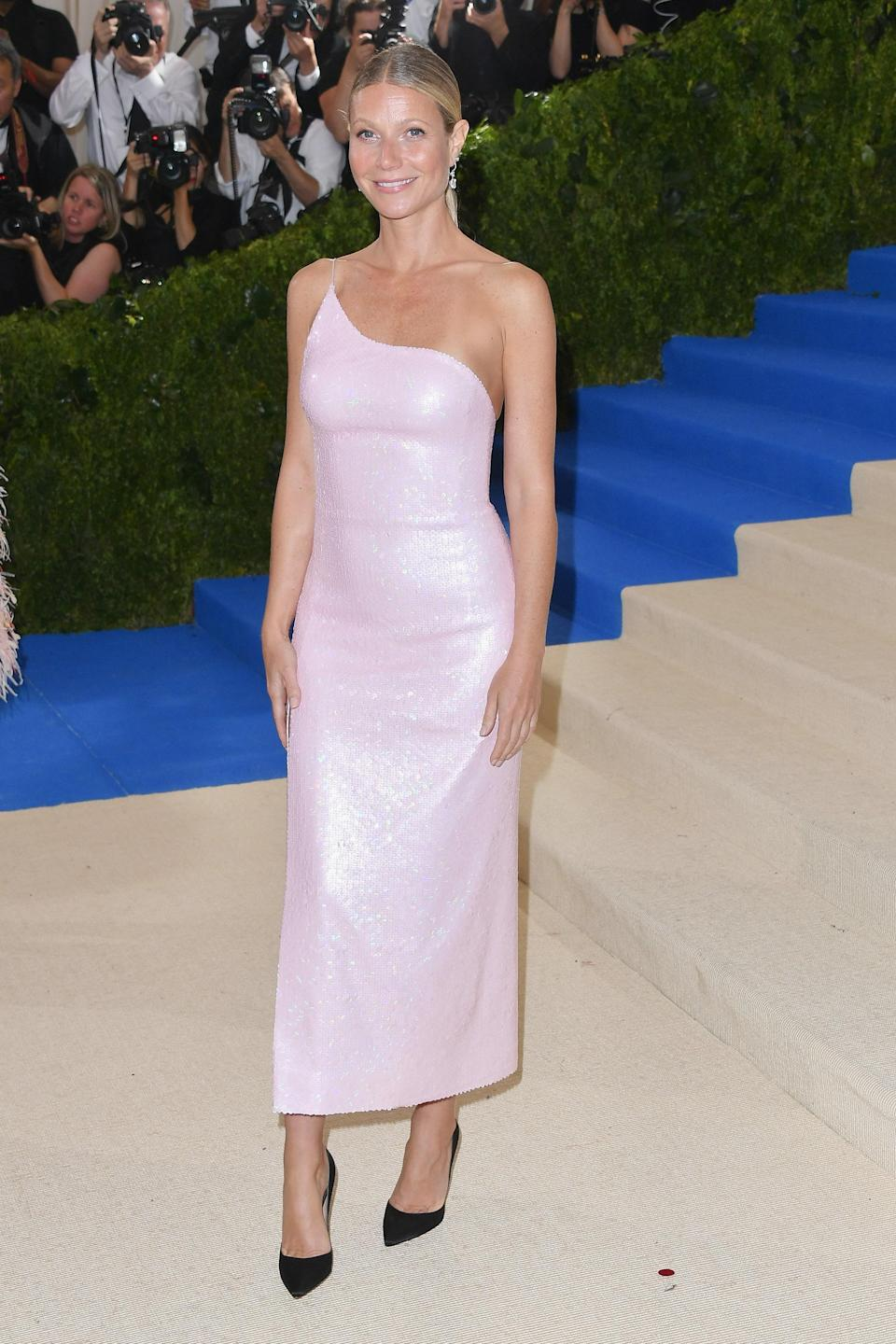 """<h1 class=""""title"""">Gwyneth Paltrow in Calvin Klein by Appointment</h1> <cite class=""""credit"""">Photo: Getty Images</cite>"""
