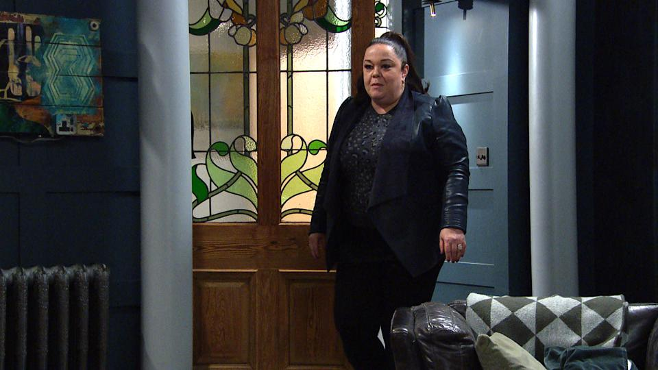 FROM ITV  STRICT EMBARGO  Print media - No Use Before Tuesday 13th April 2021 Online Media - No Use Before 0700hrs  Tuesday 13th April 2021  Emmerdale - Ep 9027  Wednesday 21st April 2021  Vinny Dingle [LISA RILEY] guiltily places a secret bet, but Mandy Dingle [BRADLEY JOHNSON] walks in on an enthralled Vinny watching the end of the race. His bet was a winner but Mandy's worried that he'll end up like his Dad.   Picture contact David.crook@itv.com   This photograph is (C) ITV Plc and can only be reproduced for editorial purposes directly in connection with the programme or event mentioned above, or ITV plc. Once made available by ITV plc Picture Desk, this photograph can be reproduced once only up until the transmission [TX] date and no reproduction fee will be charged. Any subsequent usage may incur a fee. This photograph must not be manipulated [excluding basic cropping] in a manner which alters the visual appearance of the person photographed deemed detrimental or inappropriate by ITV plc Picture Desk. This photograph must not be syndicated to any other company, publication or website, or permanently archived, without the express written permission of ITV Picture Desk. Full Terms and conditions are available on  www.itv.com/presscentre/itvpictures/terms