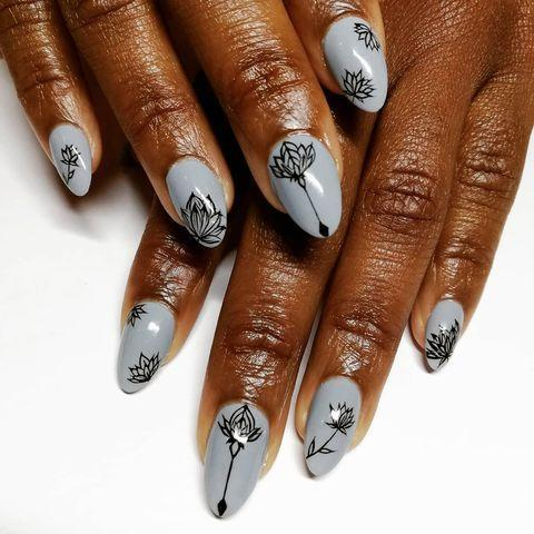 """<p>Let your nails reflect your wardrobe with this intricate nail art. </p><p><a href=""""https://www.instagram.com/p/Bu14EtRgiaj/"""" rel=""""nofollow noopener"""" target=""""_blank"""" data-ylk=""""slk:See the original post on Instagram"""" class=""""link rapid-noclick-resp"""">See the original post on Instagram</a></p>"""