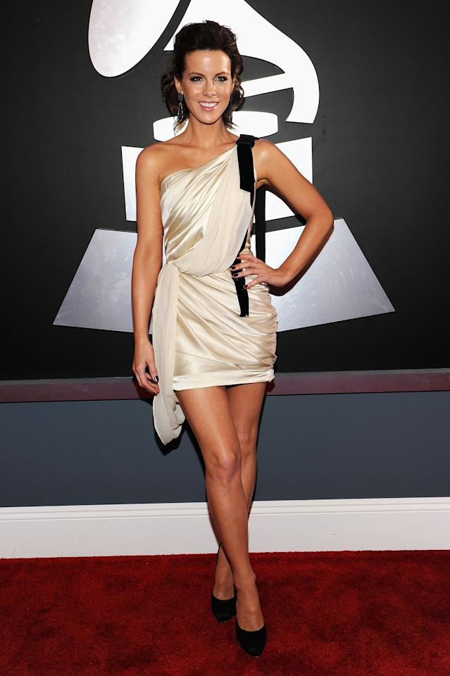 LOS ANGELES, CA - FEBRUARY 12:  Actress Kate Beckinsale arrives at the 54th Annual GRAMMY Awards held at Staples Center on February 12, 2012 in Los Angeles, California.  (Photo by Larry Busacca/Getty Images For The Recording Academy)