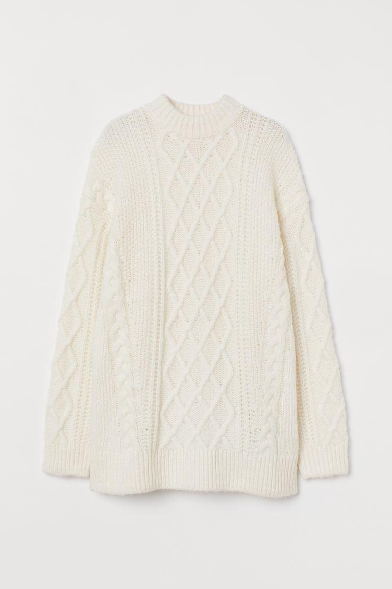 "<p>Ma dove vai se il maglione di lana a trecce non ce l'hai?<br></p><p>H&M, €21,99</p><p><a class=""link rapid-noclick-resp"" href=""https://go.skimresources.com?id=86393X1538931&xs=1&url=https%3A%2F%2Fwww2.hm.com%2Fit_it%2Fproductpage.0937594001.html"" rel=""nofollow noopener"" target=""_blank"" data-ylk=""slk:ACQUISTA ORA AI SALDI"">ACQUISTA ORA AI SALDI</a></p>"