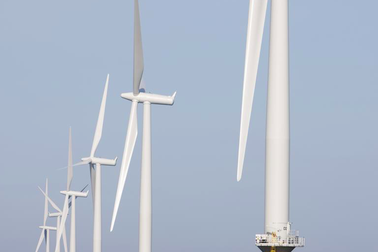 UK building the world's largest offshore wind farm