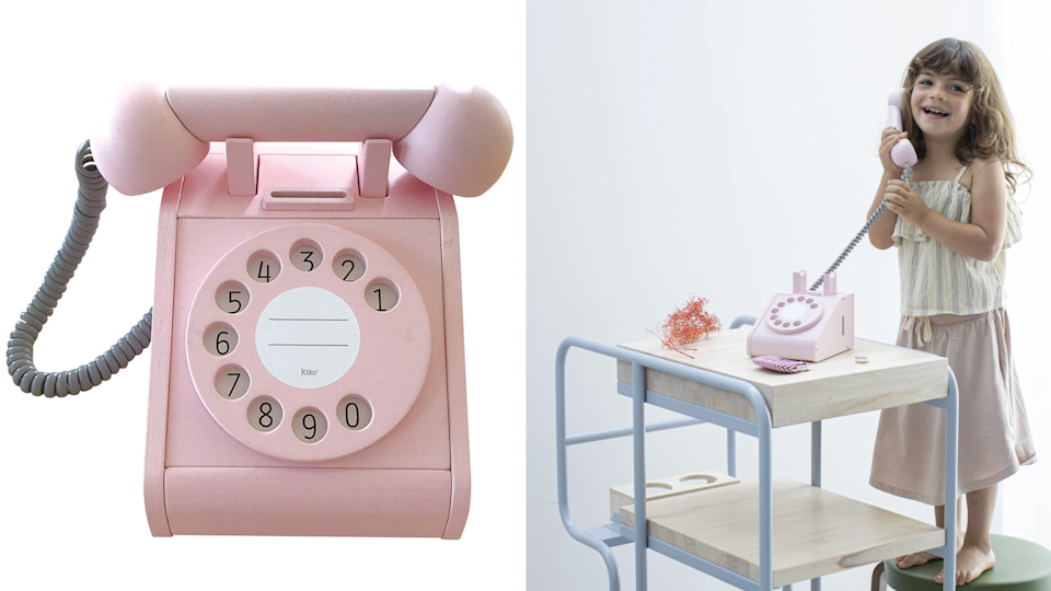Valentine's gifts for kids: Retro pink phone
