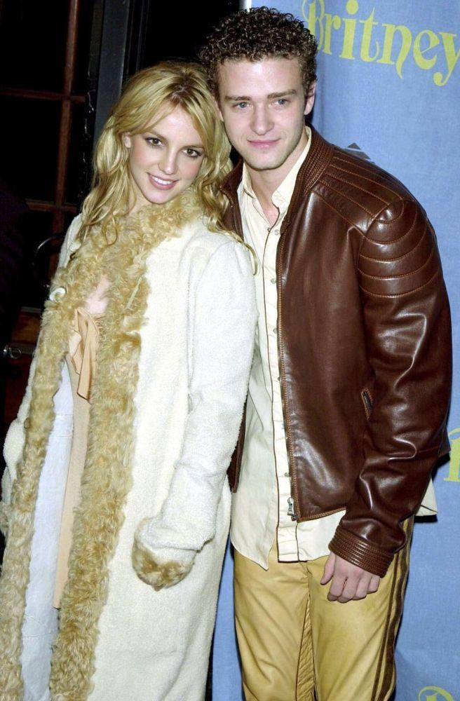 Britney Spears and Justin Timberlake in 2001 | Charles Sykes/Shutterstock