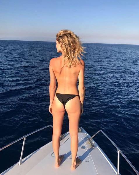 "<p>Chiara Ferragni ha pubblicato infatti questa foto sul suo profilo Instagram, scrivendo ""Sicilia bedda (and being half sicilian makes me super proud)"", cioè ""essere mezza siciliana mi rende super orgogliosa""… </p>"