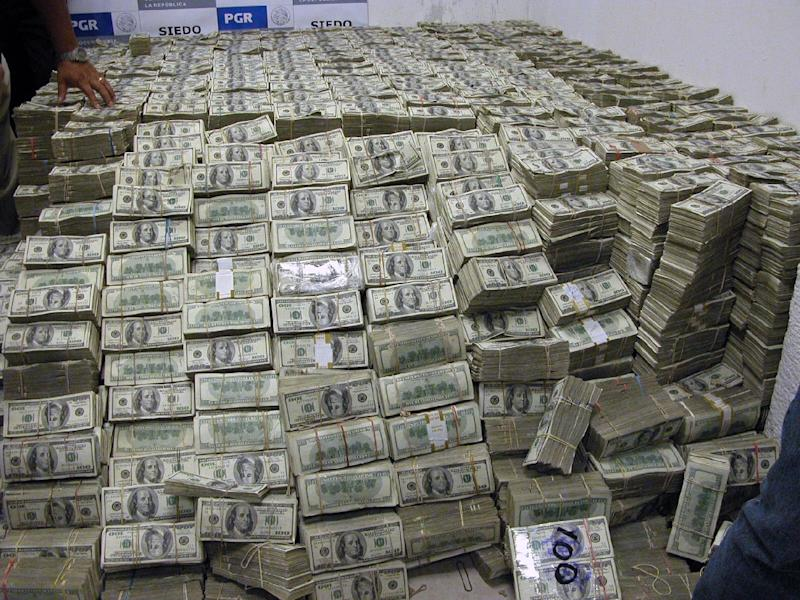 In March 2007, authorities found $205 million dollars in Chinese-Mexican businessman Zhenli Ye Gon's Mexico City home