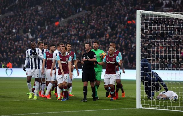 <p>West Ham were furious this goal was ruled out</p>