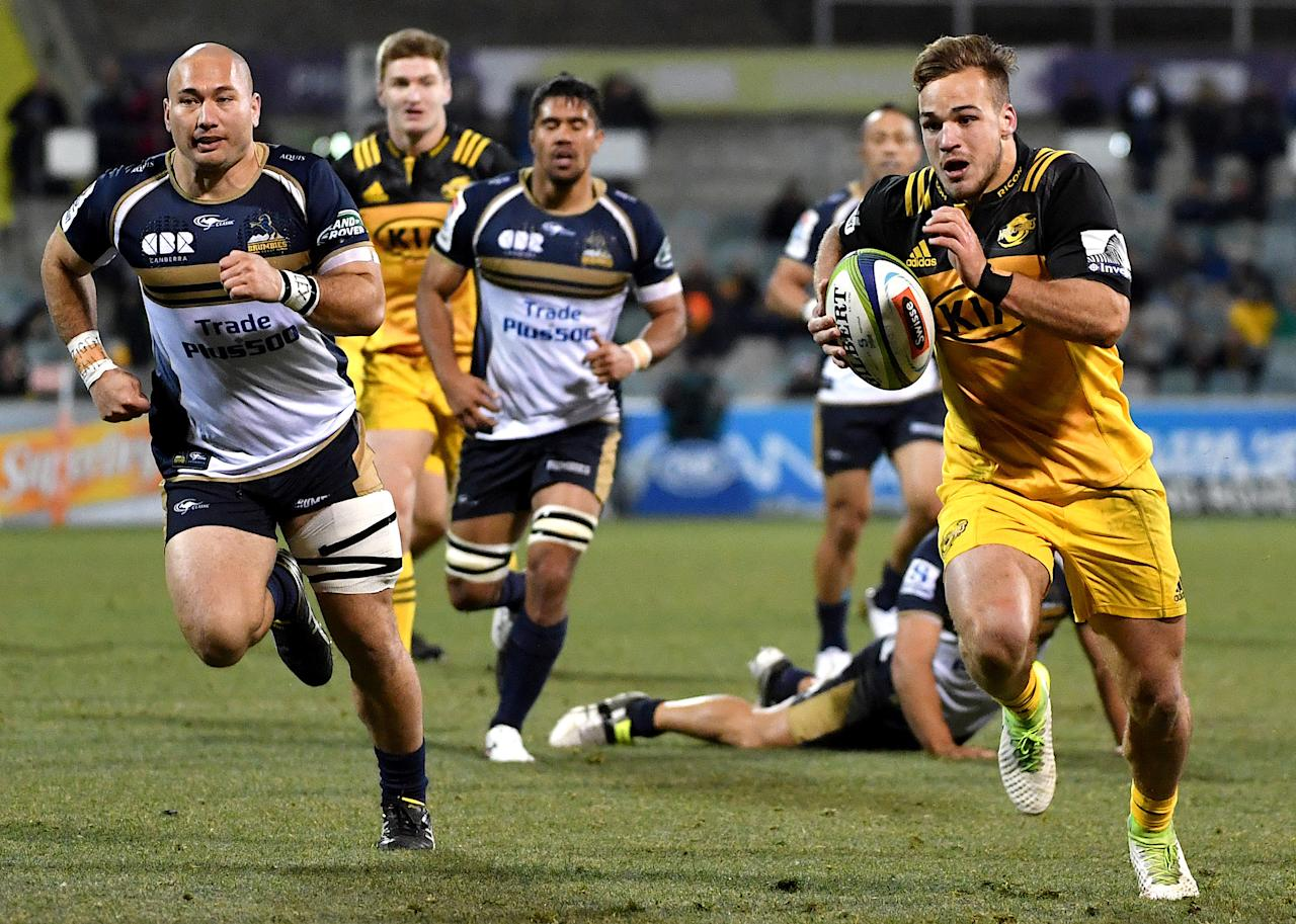 Rugby Union - Super Rugby - Wellington Hurricanes vs ACT Brumbies - Canberra, Australia - July 21, 2017 - Wes Goosen of the Wellington Hurricanes runs to score a try during the quarterfinal Super Rugby match.   AAP/Mick Tsikas/via REUTERS    ATTENTION EDITORS - THIS IMAGE WAS PROVIDED BY A THIRD PARTY. NO RESALES. NO ARCHIVE. AUSTRALIA OUT. NEW ZEALAND OUT.