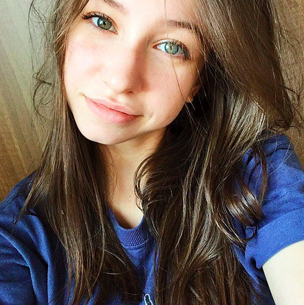 "<p>Cheese! — <a href=""https://www.instagram.com/realkatelynnacon/"" rel=""nofollow noopener"" target=""_blank"" data-ylk=""slk:@realkatelynnacon"" class=""link rapid-noclick-resp"">@realkatelynnacon</a> <a href=""https://www.instagram.com/explore/tags/thewalkingdead/"" rel=""nofollow noopener"" target=""_blank"" data-ylk=""slk:#thewalkingdead"" class=""link rapid-noclick-resp"">#thewalkingdead</a> (Photo: Instagram) </p>"