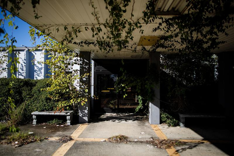 Telfair Regional Hospital, which closed in 2008, has been overgrown by vines. The McRae, Georgia, facility was about 20 minutes away from Glenwood's hospital. (Dustin Chambers for HuffPost)