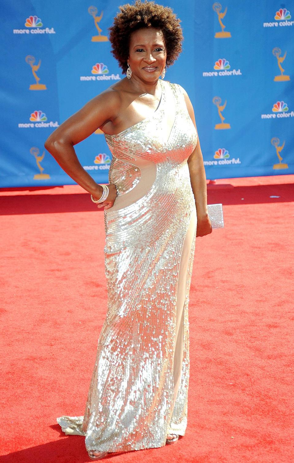 <p>Sykes, who was nominated twice that year, sparkled and shined on the carpet of the 2010 Emmys. </p>