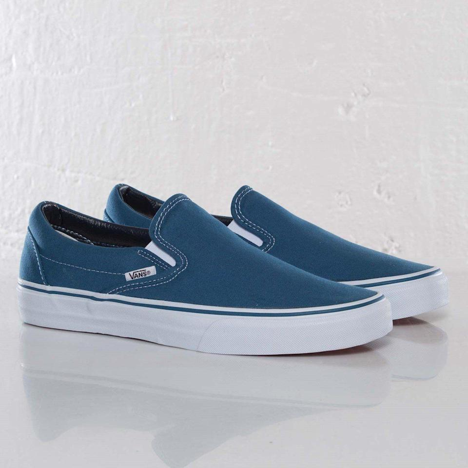 """<p><strong>Vans</strong></p><p>sneakersnstuff.com</p><p><strong>$79.00</strong></p><p><a href=""""https://go.redirectingat.com?id=74968X1596630&url=https%3A%2F%2Fwww.sneakersnstuff.com%2Fen%2Fproduct%2F11667%2Fvans-classic-slip-on&sref=https%3A%2F%2Fwww.cosmopolitan.com%2Fstyle-beauty%2Ffashion%2Fg27349308%2Fnew-dad-gift-ideas%2F"""" rel=""""nofollow noopener"""" target=""""_blank"""" data-ylk=""""slk:Shop Now"""" class=""""link rapid-noclick-resp"""">Shop Now</a></p><p>Neutral slip-on sneakers are a great look for any new dad. He'll be comfortable and casual, yet still stylish.</p>"""