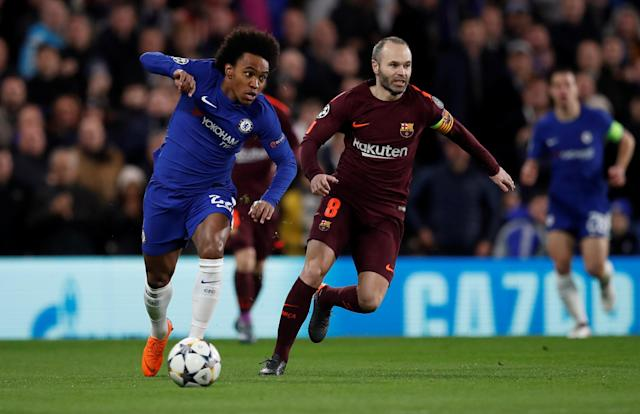 Soccer Football - Champions League Round of 16 First Leg - Chelsea vs FC Barcelona - Stamford Bridge, London, Britain - February 20, 2018 Chelsea's Willian in action with Barcelona's Andres Iniesta REUTERS/Eddie Keogh