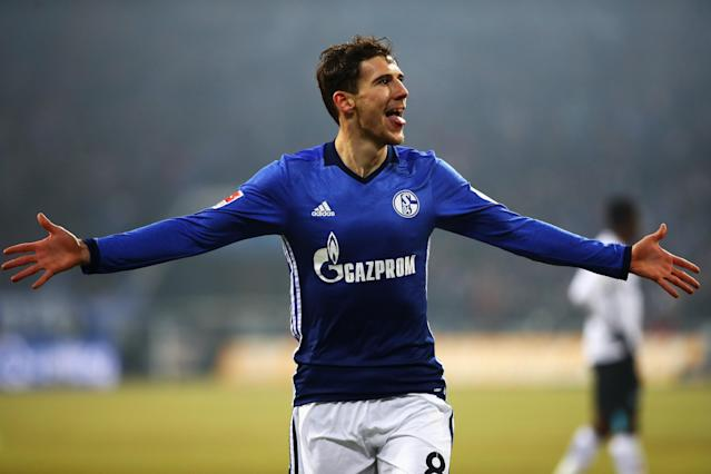 "<a class=""link rapid-noclick-resp"" href=""/soccer/players/leon-goretzka/"" data-ylk=""slk:Leon Goretzka"">Leon Goretzka</a>'s agent and others have denied reports that the Schalke midfielder has chosen Bayern Munich. (Getty)"