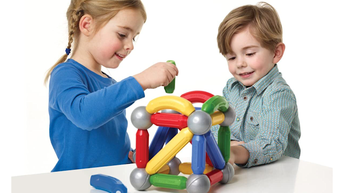 Best gifts and toys for 2-year-olds: SmartMax Magnetic Pieces