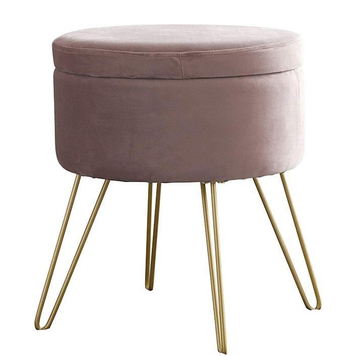 This Sleek Velvet Ottoman Has A Hidden Feature That S Great For Spring Cleaning And Organizing