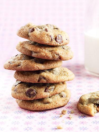 """<div class=""""caption-credit"""">Photo Credit: Getty Images</div><div class=""""caption-title"""">Cookies</div><p> Yes, they're the go-to nibbles for rainy summer days, but besides being filled with fat and sugar, they're <i>very</i> easy to eat too many of while kids play computer games or watch TV. <br> <b>Smart swap:</b> Toss the cookies and install a bowl of cut-up fresh fruit in the fridge. """"A lot of times, kids eat what's easiest,"""" says Crandall. """"If there's a big bowl of berries, melon and bananas front and center, but no cookies anywhere, they'll reach for the fruit."""" <br> <b><b><a href=""""http://www.womansday.com/health-fitness/diet-weight-loss/20-ways-to-burn-more-fat-1654?link=rel&dom=yah_life&src=syn&con=blog_wd&mag=wdy"""" rel=""""nofollow noopener"""" target=""""_blank"""" data-ylk=""""slk:20 Ways to Burn More Fat"""" class=""""link rapid-noclick-resp"""">20 Ways to Burn More Fat</a> <br> <a href=""""http://www.womansday.com/health-fitness/conditions-diseases/bad-habits-that-are-good-for-you?link=rel&dom=yah_life&src=syn&con=blog_wd&mag=wdy"""" rel=""""nofollow noopener"""" target=""""_blank"""" data-ylk=""""slk:9 Bad Habits That Are Good For You"""" class=""""link rapid-noclick-resp"""">9 Bad Habits That Are Good For You</a></b> <br> </b></p>"""