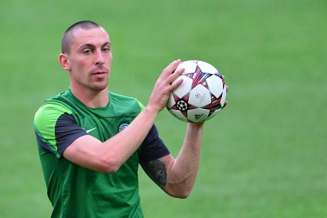 Celtic captain Scott Brown trains at the San Siro Stadium in Milan on the eve of a Champions League match on September 17, 2013 (AFP Photo/Giuseppe Cacace)