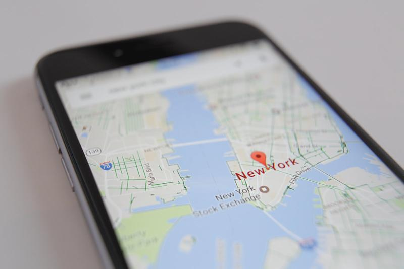 Google Maps uses landmarks to provide natural-sounding directions