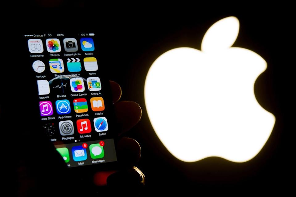 <p>Even Apple's strong profits news couldn't hold back the sellers</p> (Philippe Huguen/AFP/Getty Images)